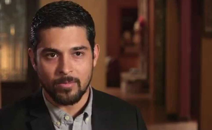 Wilmer Valderrama llama a hispanos a unirse contra los ataques de candidatos presidenciales