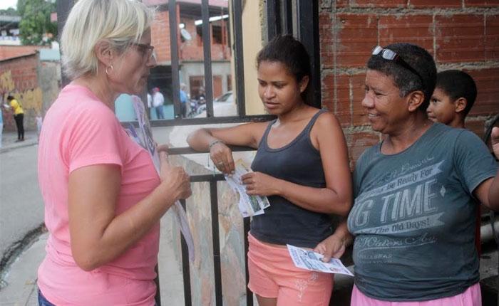"""#Voto2015 Adriana D'Elia: """"Creemos junto a nuestro pueblo en un país de propietarios"""""""