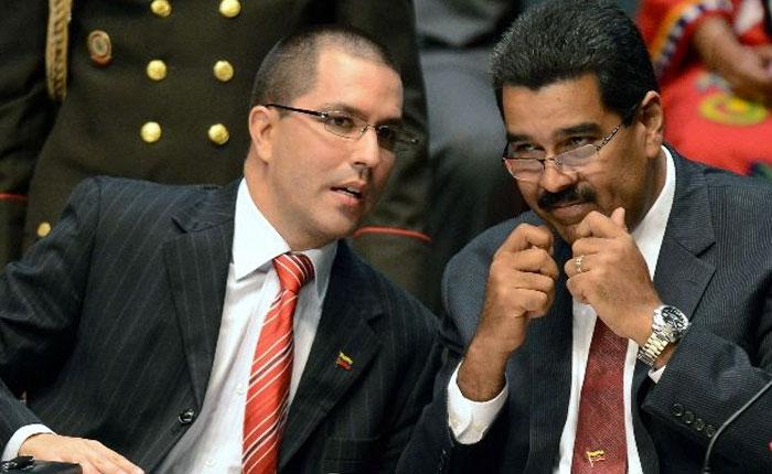 Arreaza reconoce que Maduro destruyó la Cancillería