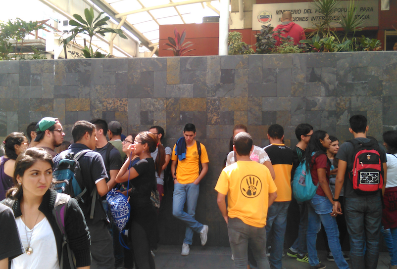 Estudiantes exigieron información sobre secretario de la FCE USB desaparecido desde que lo detuvo el Sebin