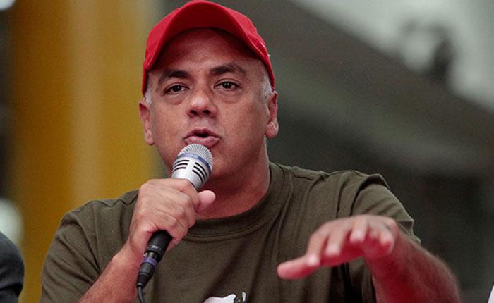 """Chavismo cuestiona el resultado del """"mejor sistema electoral del mundo"""""""