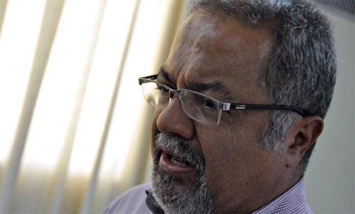 CONVERSATORIO CON TULIO HERNANDEZFECHA: 01-08-12FOTO: DEDWISON ALVAREZ