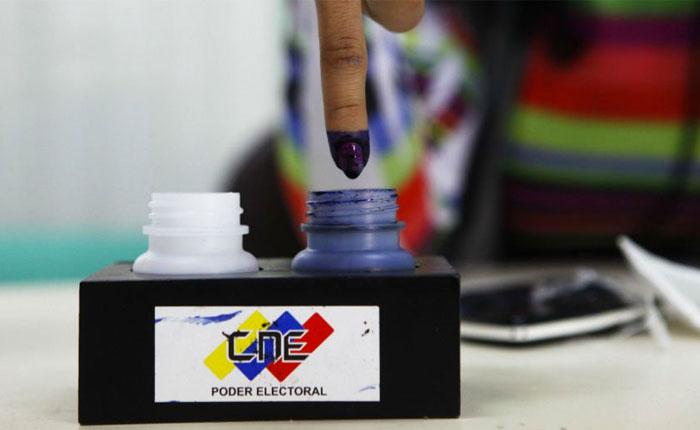 No pienses: ¡vota! por José Domingo Blanco