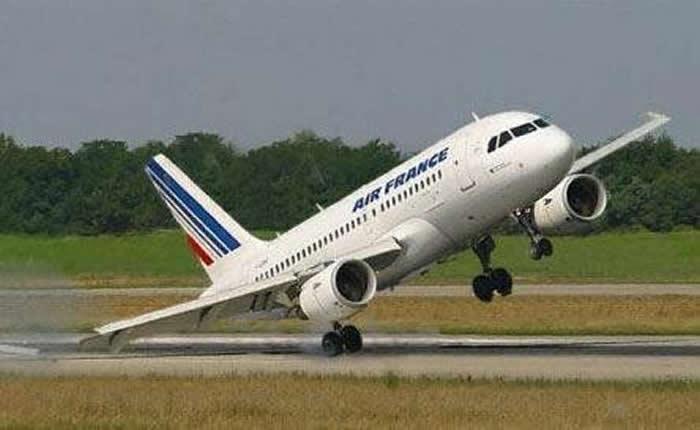 Despegó uno de los aviones de Air France desviados en EE UU por amenazas