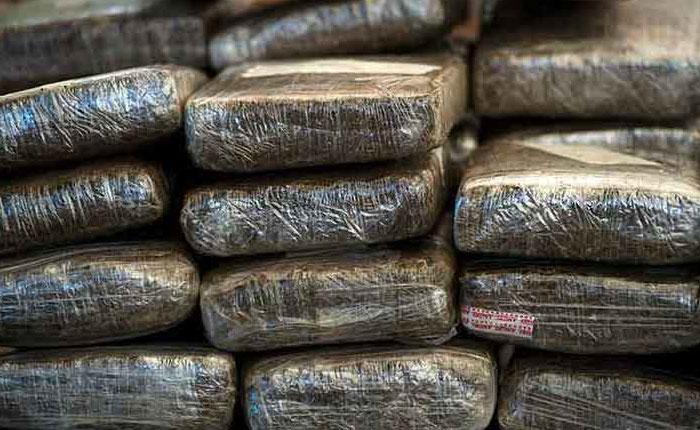 Detuvieron a dos funcionarios del Ejército con más de 40 panelas de marihuana