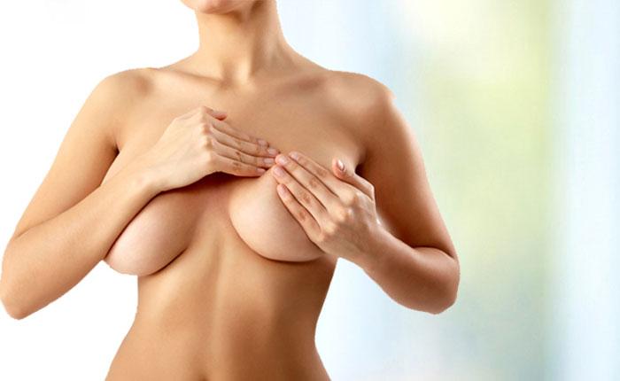 La reconstrucción mamaria puede ser una alternativa años después de la mastectomía