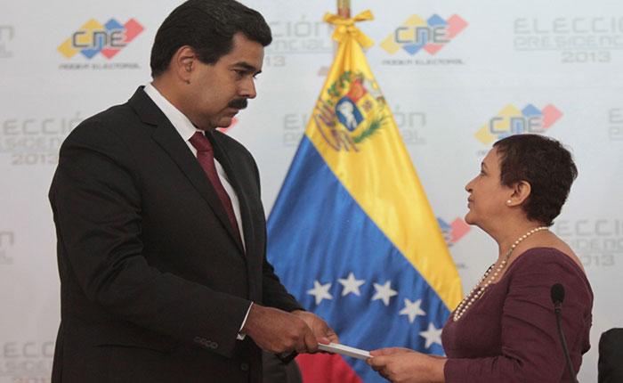 Exhortan al CNE a romper su silencio sobre amenazas electorales de Maduro