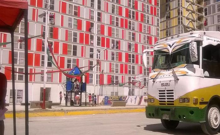 FOTOS Maquinaria chavista se activó en urbanismos de Misión Vivienda con censo, transporte y puntos rojos