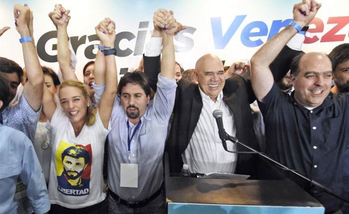 6D: Los retos de la MUD ante un chavismo que sigue vivo por José De Bastos