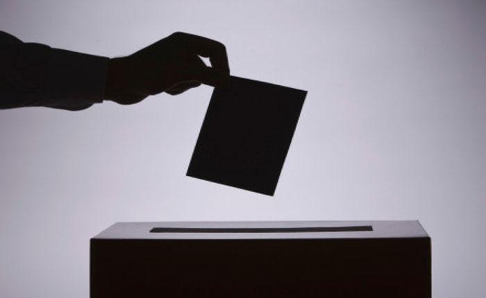 Armas, protesta, voto y negociación por Eddie Ramírez