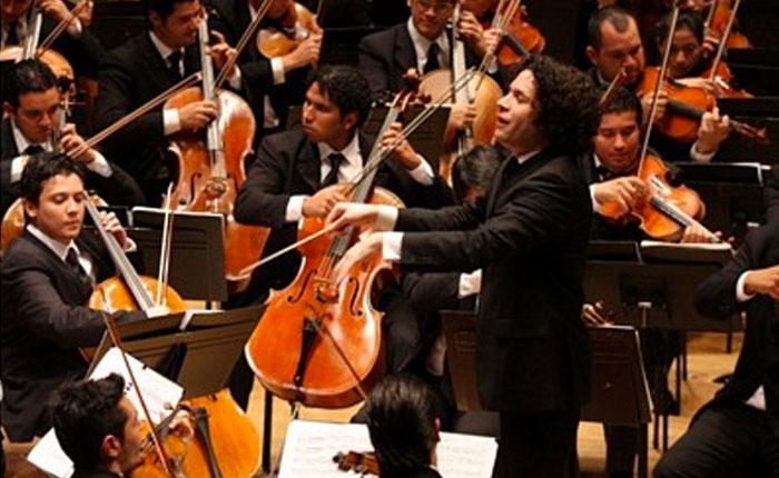Dudamel dedicó concierto a Armando Cañizalez