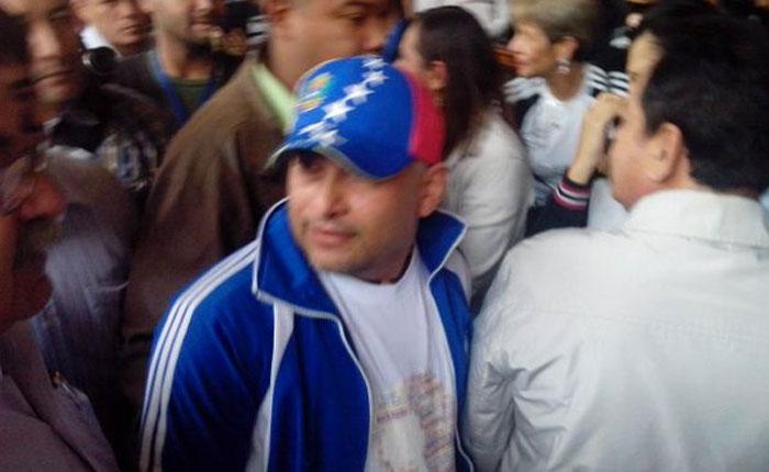 Tras 10 años en el exilio, Nixon Moreno reaparece en la ULA