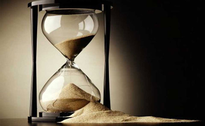 El implacable tiempo de la política, por Víctor Maldonado C.