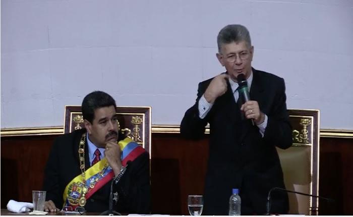 Maduro escuchando a Ramos Allup
