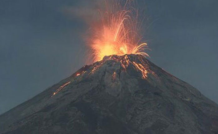 Cierran aeropuerto de Guatemala por erupción de volcán de Fuego