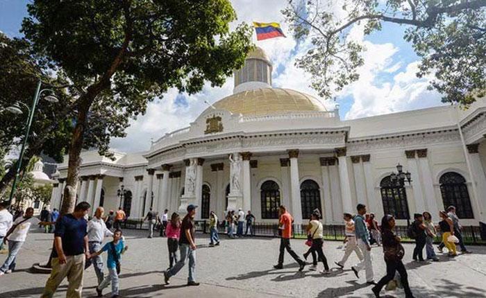 12 altos funcionarios chavistas podrían ir a la cárcel por negarse a comparecer ante el Parlamento venezolano