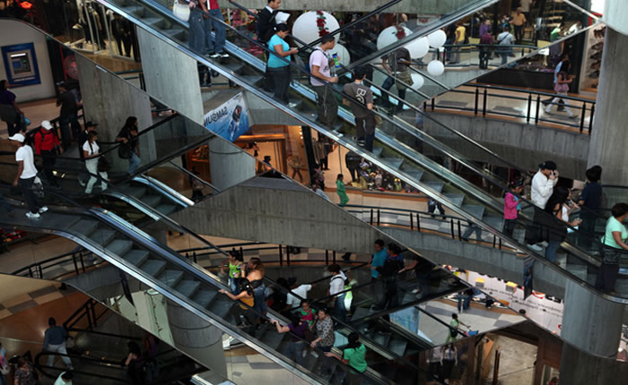 Centros comerciales trabajarán de 12:00pm a 7:00pm