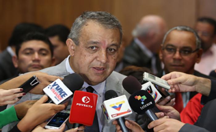 Rusia y Venezuela entablan consultas sobre los precios del petróleo