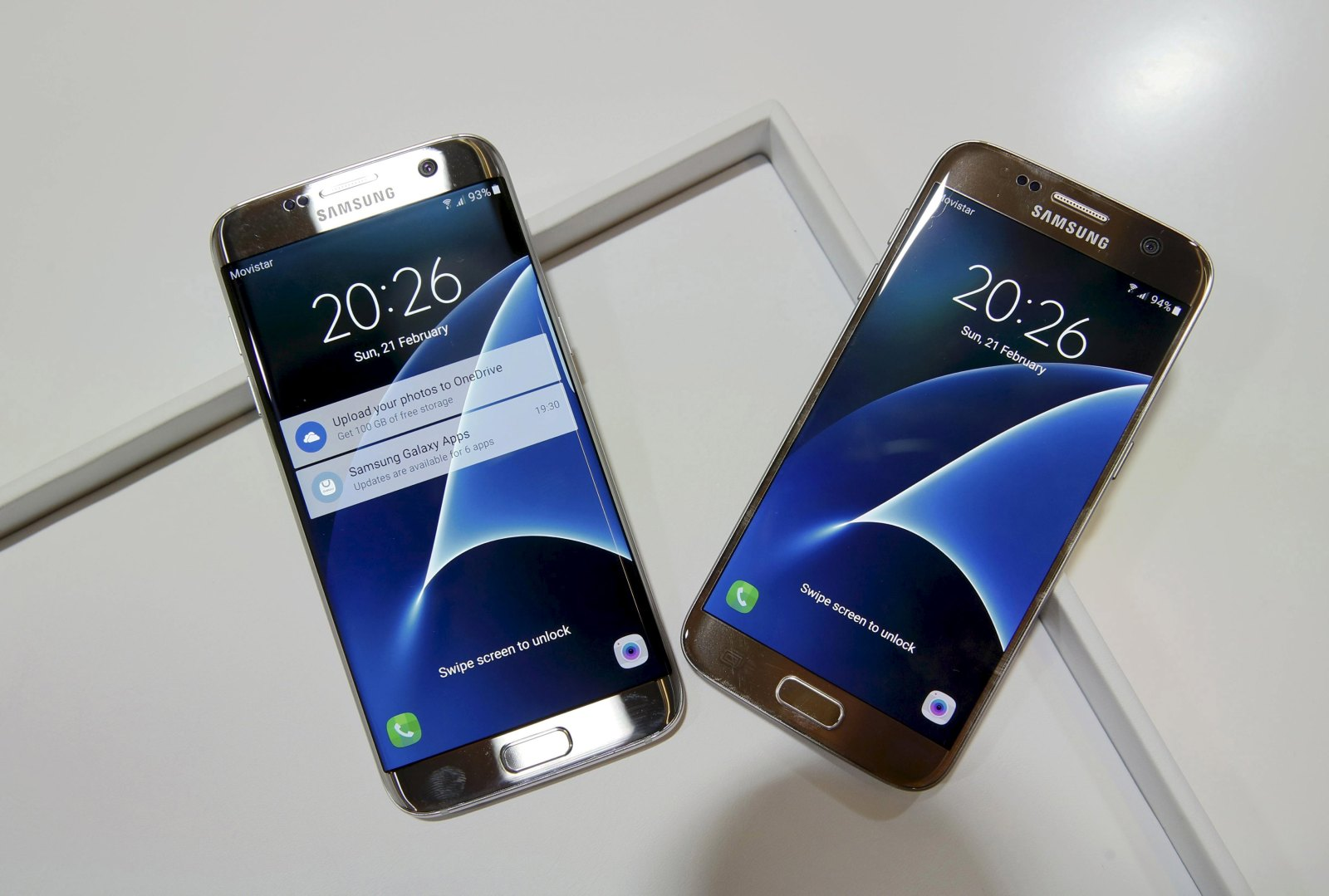 New Samsung S7 and S7 edge smartphones are displayed after their unveiling ceremony at the Mobile World Congress in Barcelona