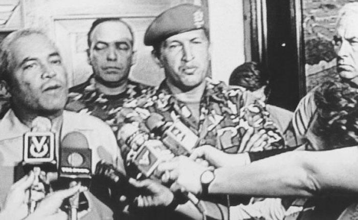 Elías Pino Iturrieta: El 4F se produjo la ruptura de la convivencia democrática