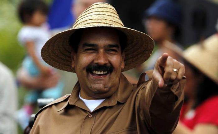 """""""Maduro de nuevo en Moscú, sombrero en mano, buscando dólares"""""""