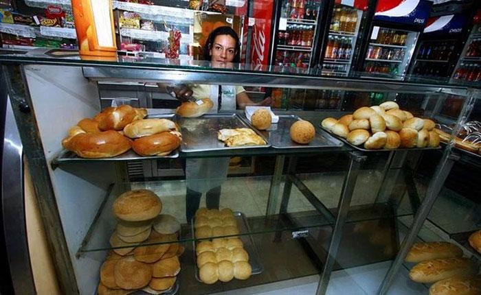 Panaderías podrían cerrar antes de marzo por falta de harina de trigo