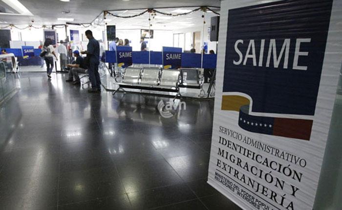 Director del Saime reconoce que retrasos de pasaportes son por escasez de materiales