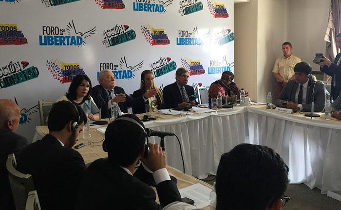 Universitarios pidieron a Premios Nobel continuar alzando la voz por los derechos de los venezolanos