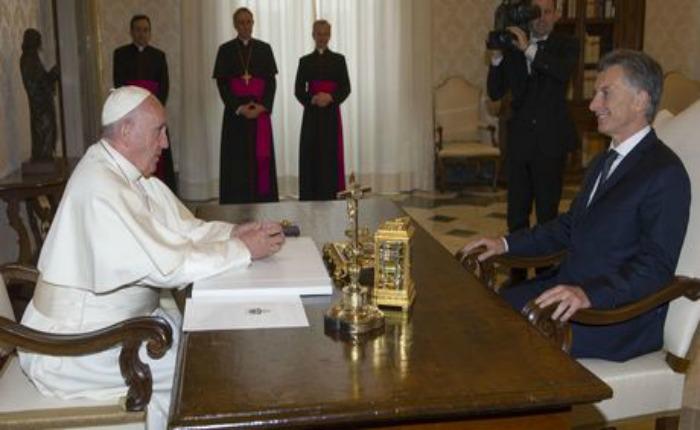 Mauricio Macri visitó al papa Francisco en el Vaticano