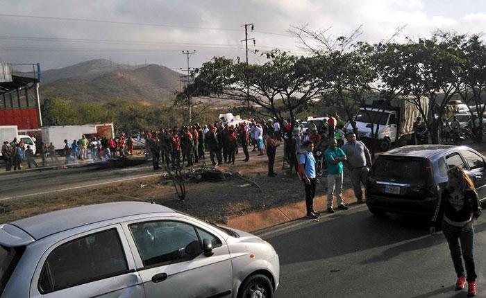 Se registran protestas en Caracas y alrededor del país tras apagón de este domingo