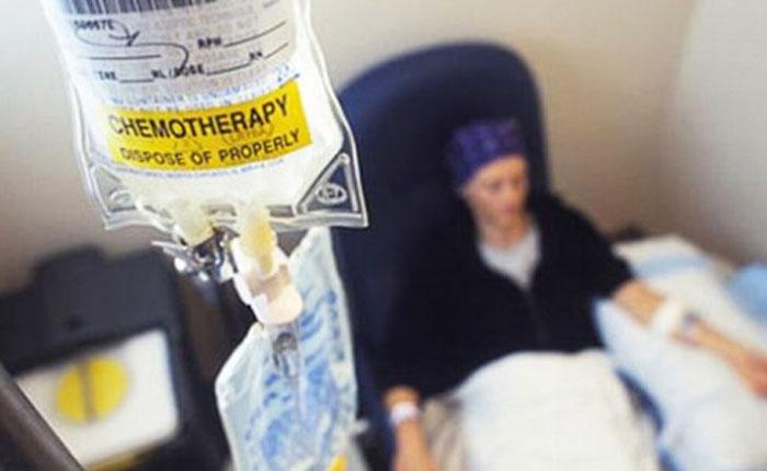 Bajas dosis de quimioterapia controlan mejor el cáncer
