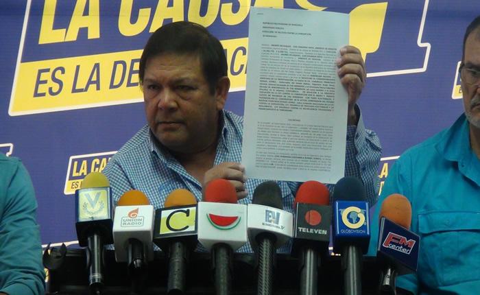 Andrés Velásquez presenta recurso de ley ante el CNE