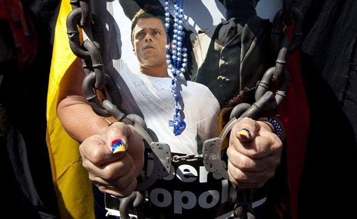 Audiencia de Leopoldo López fue diferida para el 7 de julio