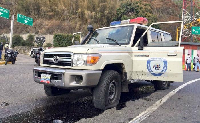 Privan de libertad a dos hombres que robaron en C.C. Paseo El Hatillo y atacaron con granada comisión policial