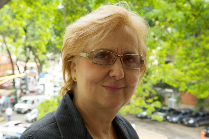 """Rosa Mármol de León sobre Maduro: """"Un colombiano no puede dirigir nuestra FAN"""""""