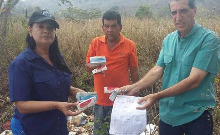 FOTOS Diputado Biagio Pilieri denunció lote de medicinas vencidas del Estado en terreno baldío de Yaracuy