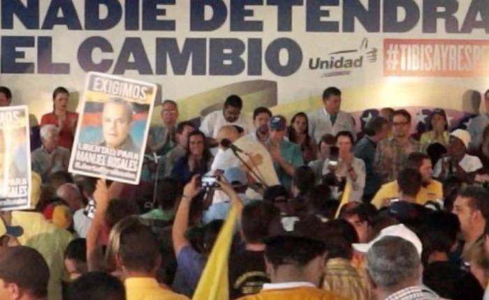 Salida concertada de Maduro propone la MUD al Psuv