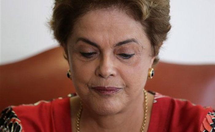 Dilma Rousseff desaloja su oficina en el Palacio de Planalto