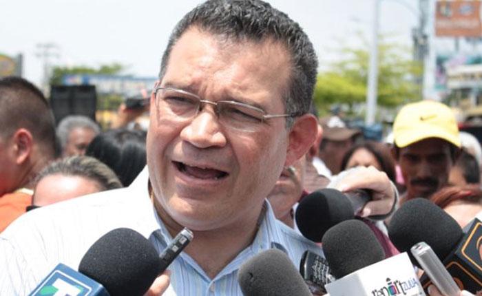 Enrique Márquez: Recogimos más del triple de las firmas que necesitábamos para revocatorio