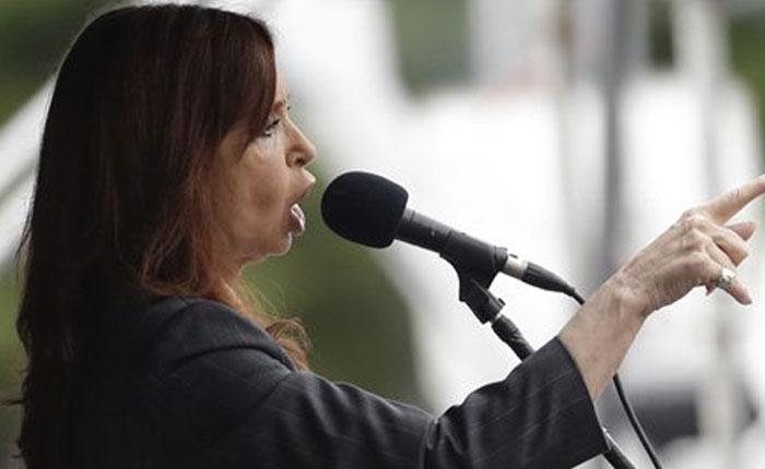 Cristina Fernández dice que es víctima de una persecución judicial