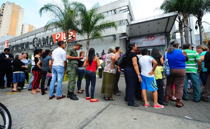 Venezuela con hambre por Carlos Nieto Palma