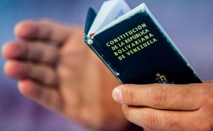 Derechos, ultrajes y fantasías, por Ramón Hernández