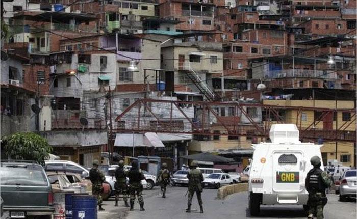 Megabandas en Venezuela por Carlos Nieto Palma