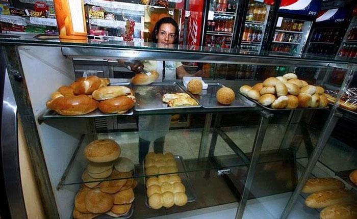 Fetraharina alerta que el desabastecimiento de pan y pastas se agudizará