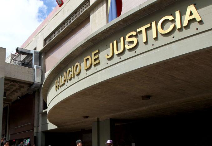 Jueces exigen fiadores para mantener a manifestantes presos indefinidamente