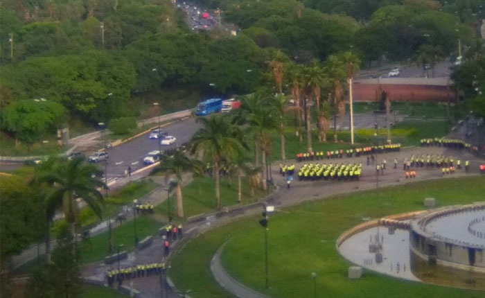 [Minuto a minuto] Así transcurre la marcha de la oposición este #18M