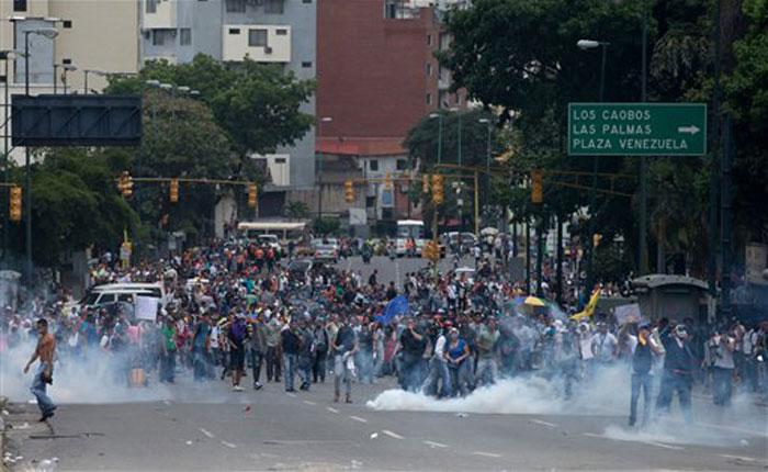 PlazaVenezuela18M_.jpg