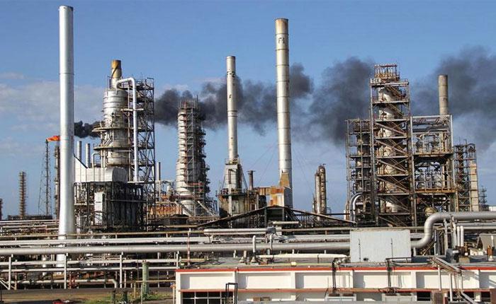 Tres de las cuatro refinerías del país están sin funcionamiento