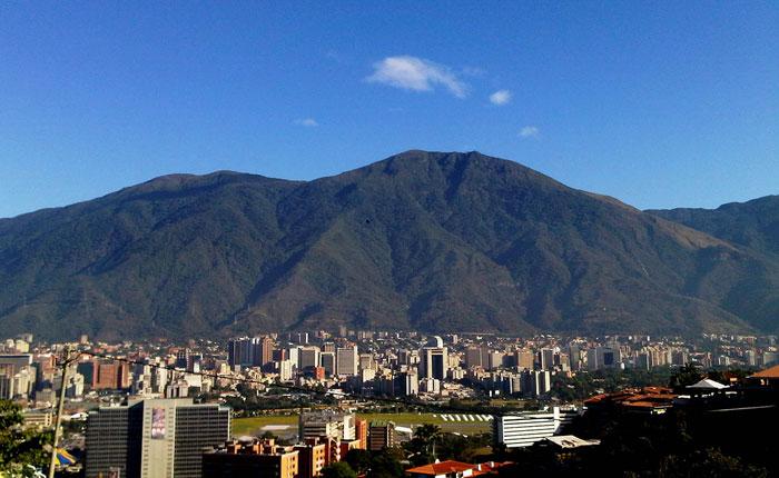 Caracas, corazón de Venezuela por Asdrúbal Aguiar