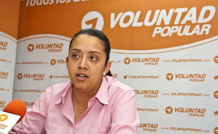 Gaby Arellano se declara en huelga de hambre por la libertad de diputados presos